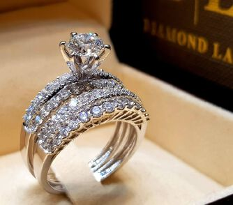 No. 7 Hot Sale Couple Rings Engagement Ring Banquet Jewellery Diamond Ring Platinum Shiny